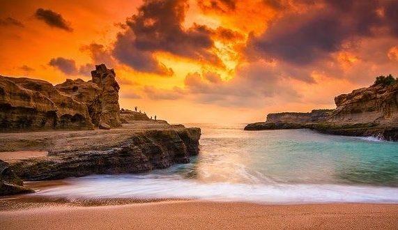 Rekomendasi Wisata Pantai di Pacitan yang Hits